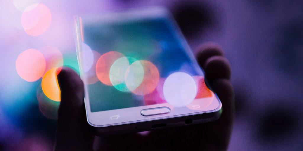 commande-vocale-SEO-smartphone