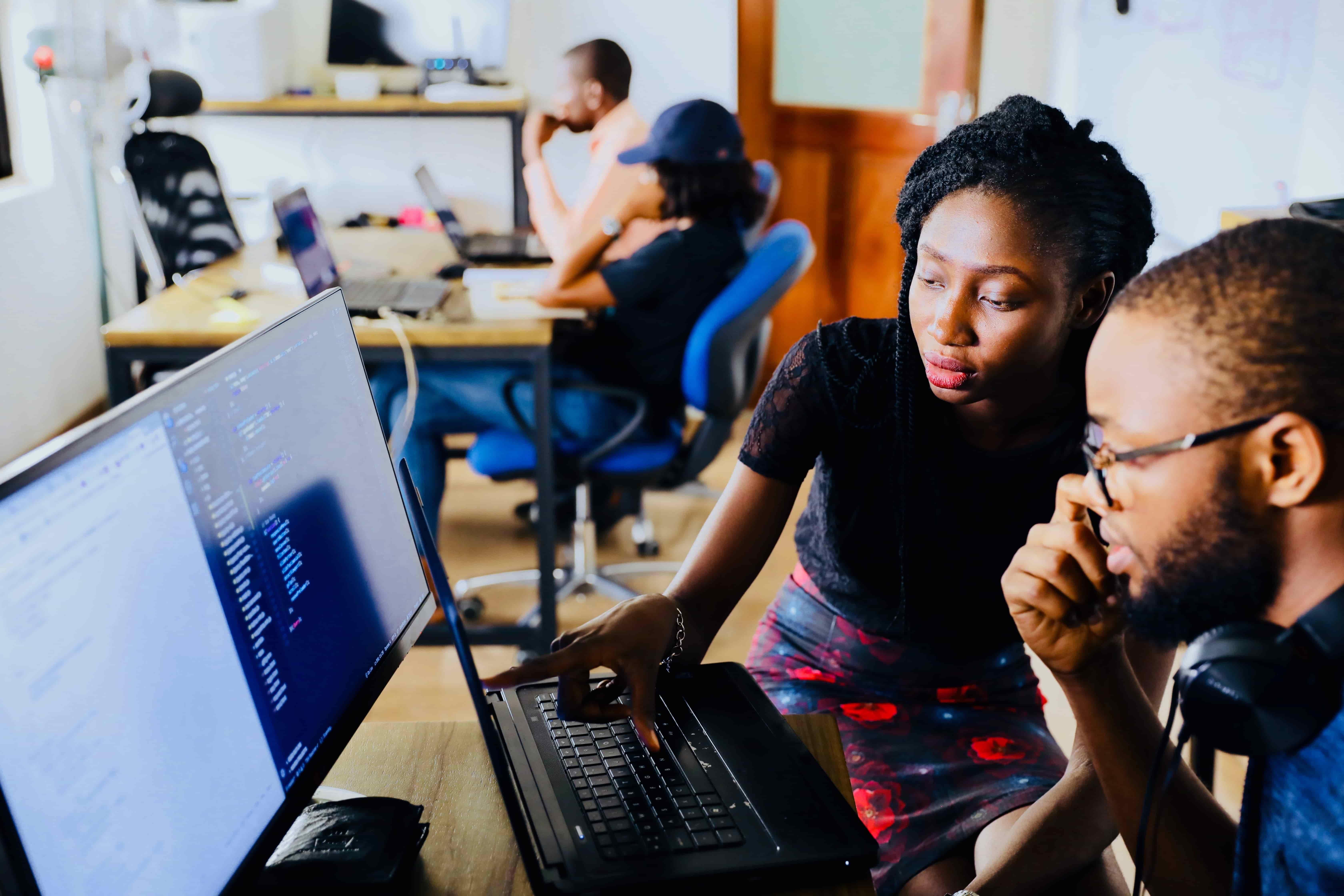 Confier sa stratégie digitale à un stagiaire, bonne ou mauvaise idée ?